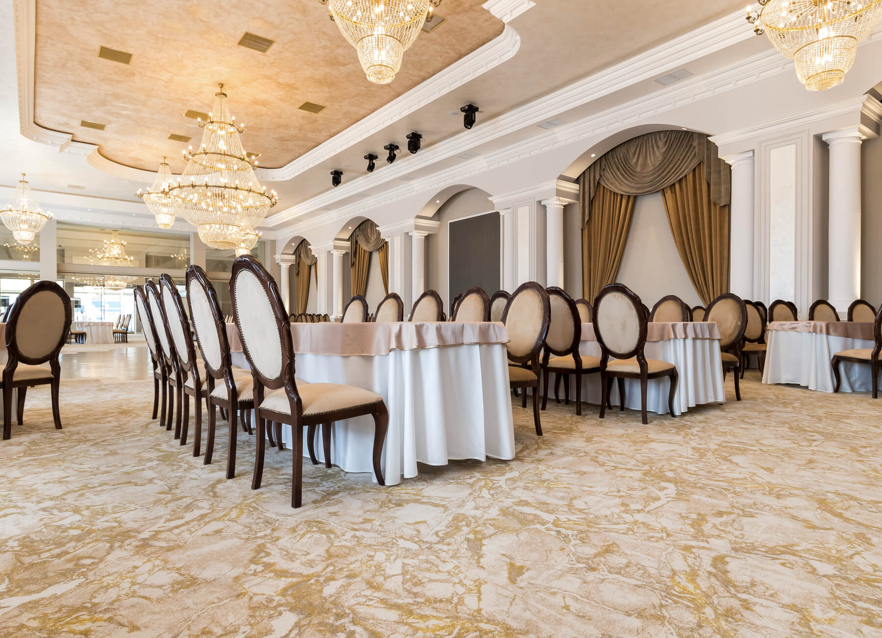 HL910-Akropolis Event and Banquets-Romania