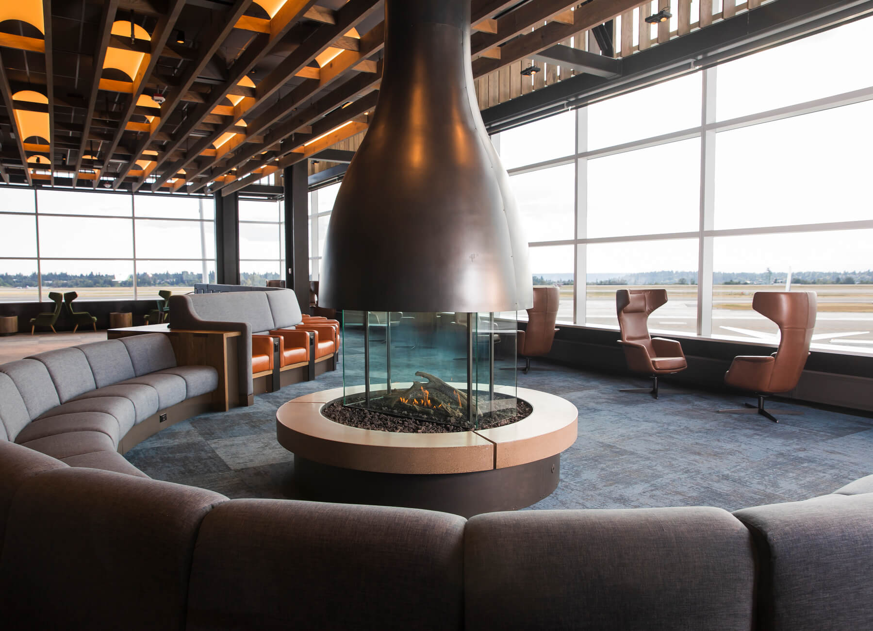 RAWLINE SCALA-Alaska Air Line lounge-USA